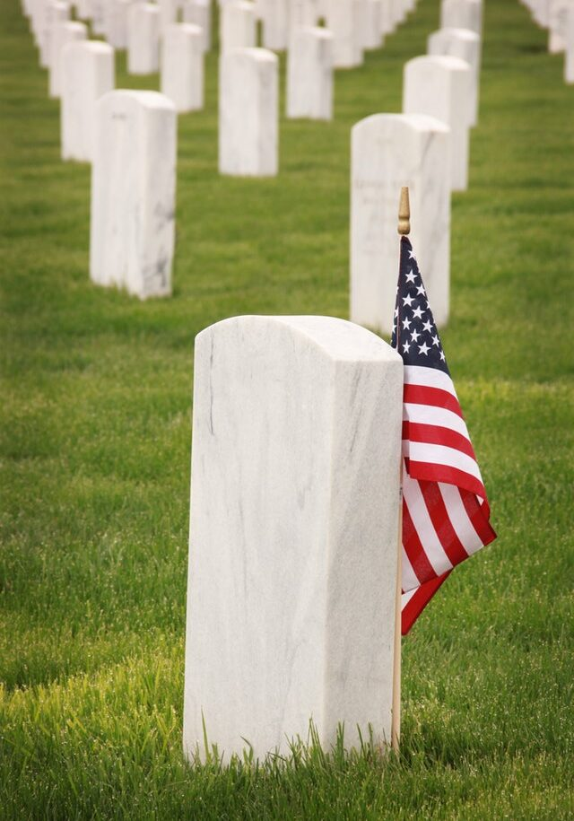 flag-of-u-s-a-standing-near-tomb-1202705 (2)